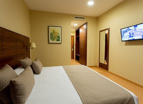 Spacious rooms in Puerto Lumbreras, Murcia
